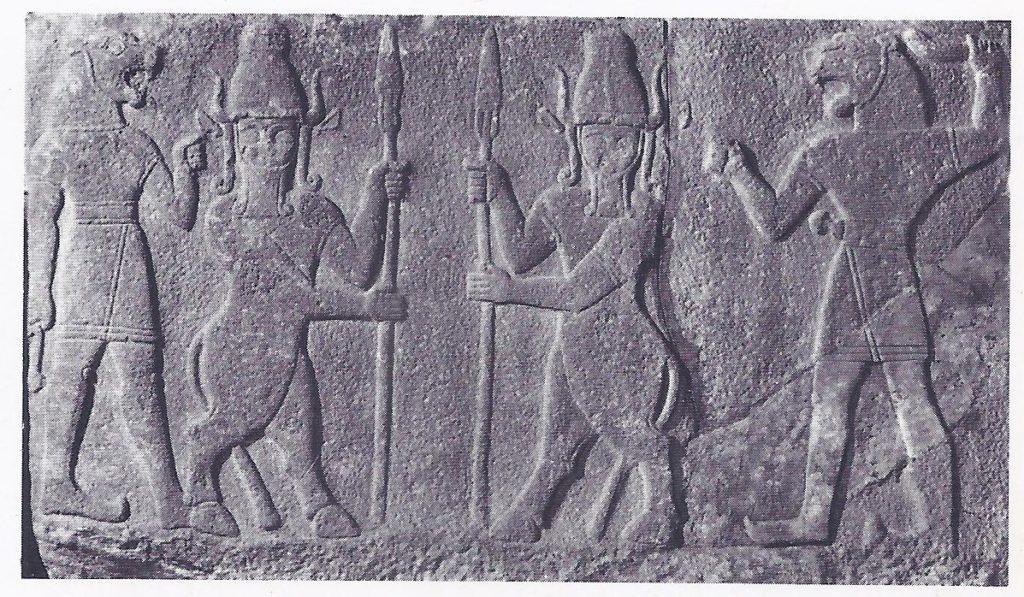 Hittite figures on rock relief - Hittites